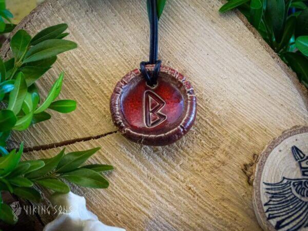 Runenkette Berkano rot