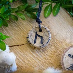 Runenkette Uruz natur schwarz